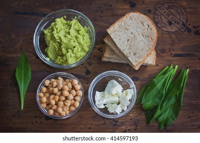 Avocado and chickpea sandwich ingredients