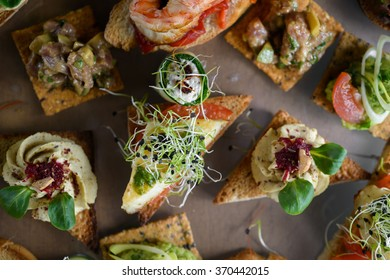 Avocado salad with raspberry and sesame biscuits