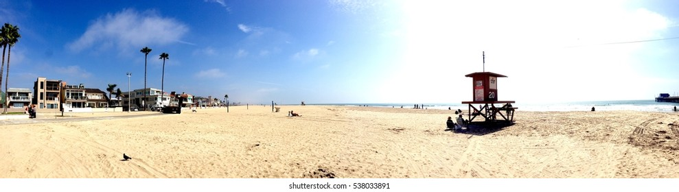 Awesome Californian Beach panorama in a perfect sunny day in the Usa most popular holiday vacation state.