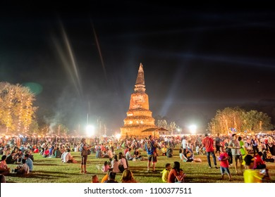Ayutthaya December 16, 2017 Ayutthaya World Heritage Fair Market retro, a light show, and every year during the month of December.