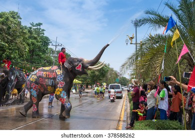 AYUTTHAYA, THAILAND - APR 13:  Revelers and elephants join in water splashing during Songkran Festival on Apr 13, 2015 in Ayutthaya, Thailand.  The festival is a celebration of the Thai New Year