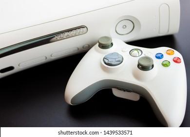 Xbox 360 Images, Stock Photos & Vectors | Shutterstock