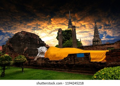 Ayutthaya world heritage a historical Park. In the past, but the old In Southeast Asian countries, Thailand