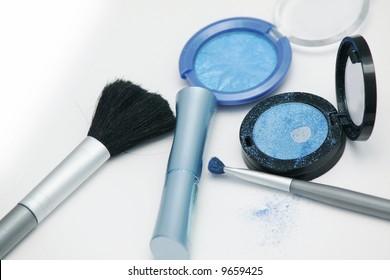 azure eyeshadows and brushes