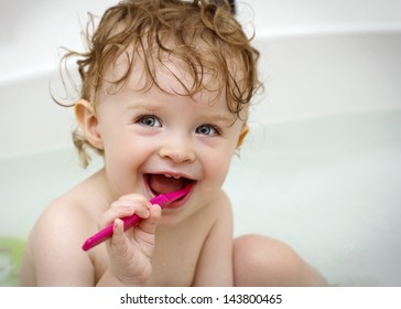 Baby cleaning teeth