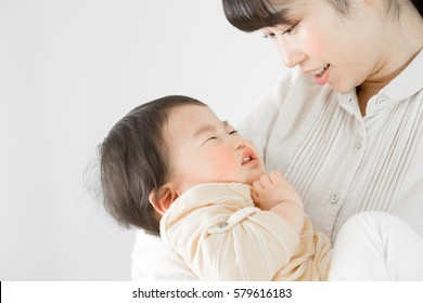 Baby crying, parent and child, mother