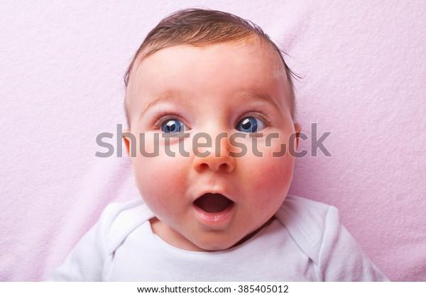 baby-girl-600w-385405012.jpg