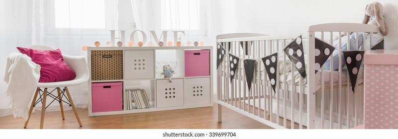Baby girl nursery ideas with cute decorations