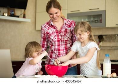 baby girls, Mom, Kitchen