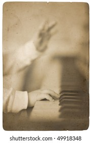 baby hand playing piano