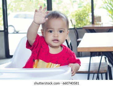 Baby in the restaurant