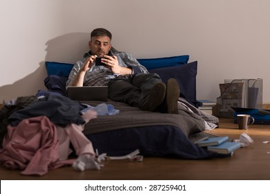 Bachelor is lazy and he doesn't clean up in apartament