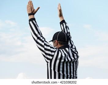Der Rücken eines American Football-Schiedsrichters, Beschneidungspfad