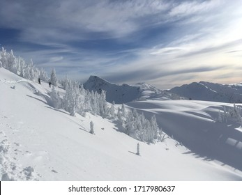 backcountry skiing close to Revelstoke mountain resort