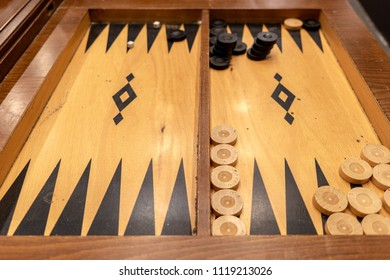 Backgammon game table