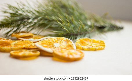 Background with Christmas trees and orange  Sfondo con alberi di Natale e arancio Arrière-plan avec des arbres de Noël et orange 与圣诞树和橙色背景 クリスマスの木とオレンジ色の背景 क्रिसमस पेड़ और नारंगी के साथ पृष्ठभूमि
