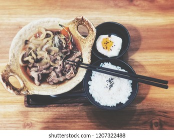 Background: Food: Suki Set : Suki rice and boiled eggs