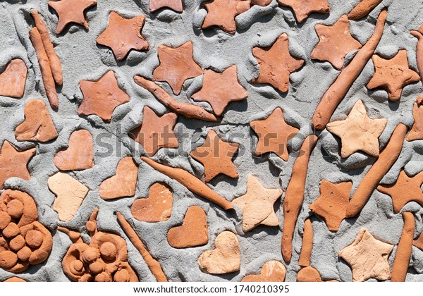 background-fragment-wall-embedded-clay-6