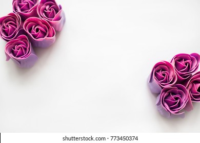 background heart of purple roses