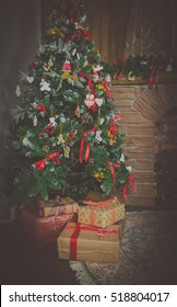 background in the house Christmas tree with gifts picture.