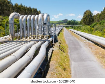 Background of a pipeline installation for distribution and supply of liquid and gaseous products, such as petroleum based resources, over long distances