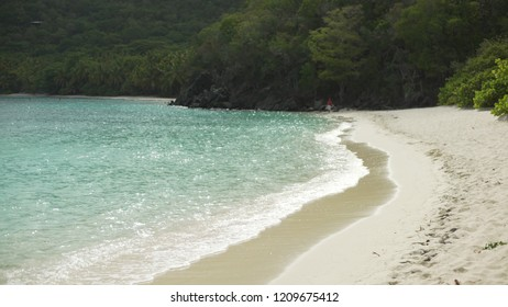 Background Plate of A long stretch of Caribbean beach for green screen