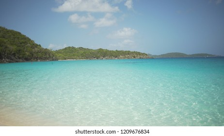 Background Plate of Waves in the blue Caribbean ocean for green screen