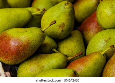 background of ripe juicy pears