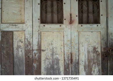 Backgrounds Old wooden door