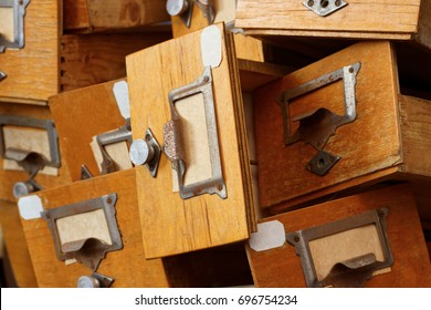 Backgrounds and textures: disorderly group of very old wooden drawers