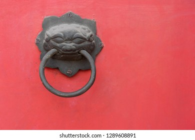 Backgrounds Textures Red wood door Chinese Temple