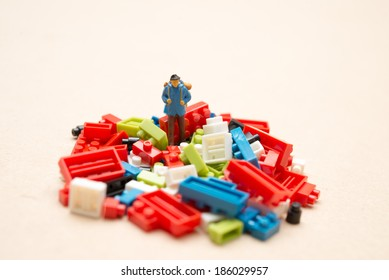 Backpackers to adventure and Colorful blocks