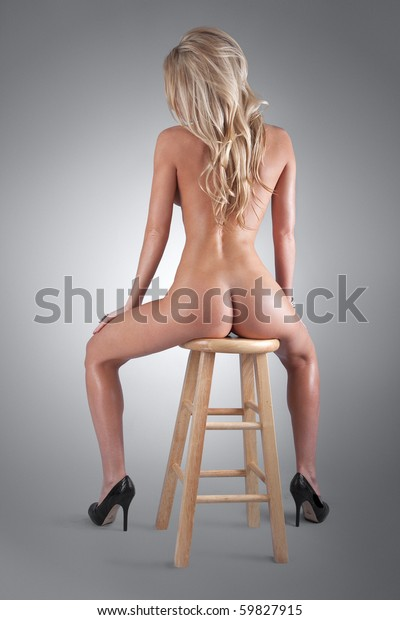 Hq nude girl photos and videos