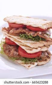 bacon grilled sandwich with tomato