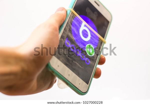 Zoosk dating numero di telefono di servizio