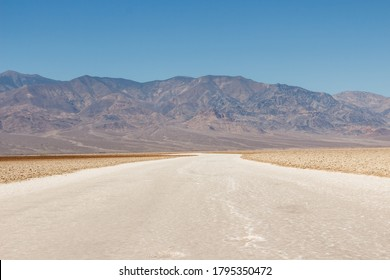 Badwater Basin in Death Valey