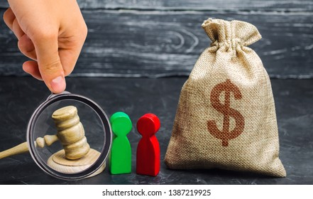 Bag of money, people and the judge's hammer. The concept of business conflict. The division of property and divorce. Non-payment of debt. Alimony. Debt restructuring. Dispute between two businessmen