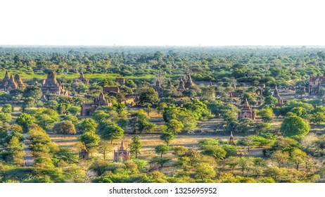 Bagan is a magical place in Myanmar. Comprised of more than 4,000 pagodas, temples and stupas built between the 11th and 12th centuries, Bagan allows you to savor the fabulous architectural heritage