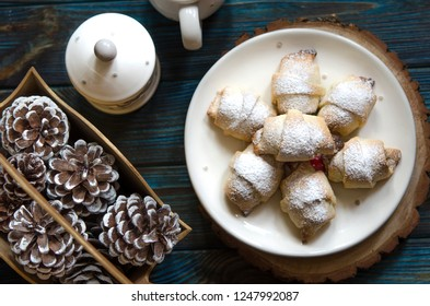 Bagels stuffed with dried apricots nuts and orange