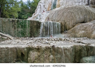 https://image.shutterstock.com/image-photo/bagni-san-filippo-italy-august-260nw-439032946.jpg