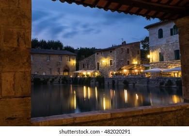 https://image.shutterstock.com/image-photo/bagno-vignoni-spa-wellness-heart-260nw-482020291.jpg