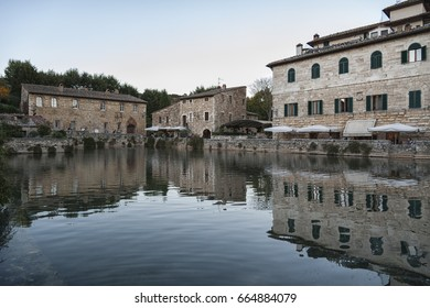https://image.shutterstock.com/image-photo/bagno-vignoni-tuscany-italy-october-260nw-664884079.jpg