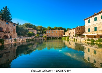 Bagni Vignoni Images, Stock Photos & Vectors | Shutterstock
