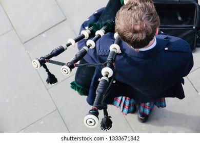 Bagpiper Busking in Edinburgh