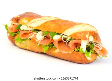 Baguette salmon with salad