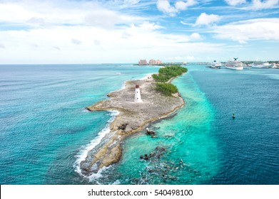 Bahamas. Nassau. Caribbean sea. Turquoise water and blue sky. Beautiful nature landscape