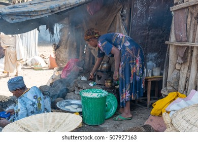 Bahir Dar, Ethiopia - January 18 , 2016: Farmers,vendors and customers in the market near the road to Gondar