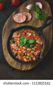 Baked beans with sauce and sausage