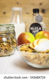 Baked breakfast cereals with maple syrup and milk