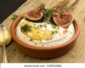 Baked Camembert with Figs, Honey and Thyme